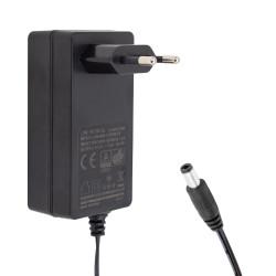 GW-POWER 12 VOLT - 3 AMPER PLASTİK KASA PRİZ TİPİ ADAPTÖR 5.5*2.5 UÇ
